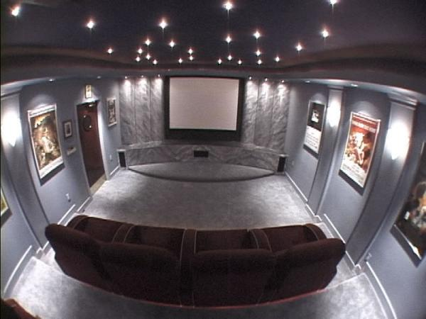 Theater2_jpg.jpg